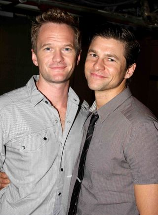 neil patrick harris and david burtka kissing. cute NPH and David Burtka,
